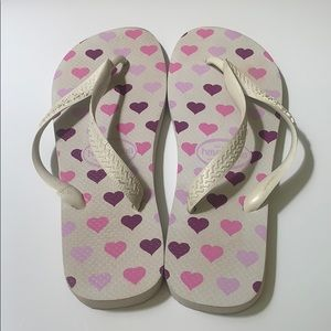 Havaianas sandals with hearts